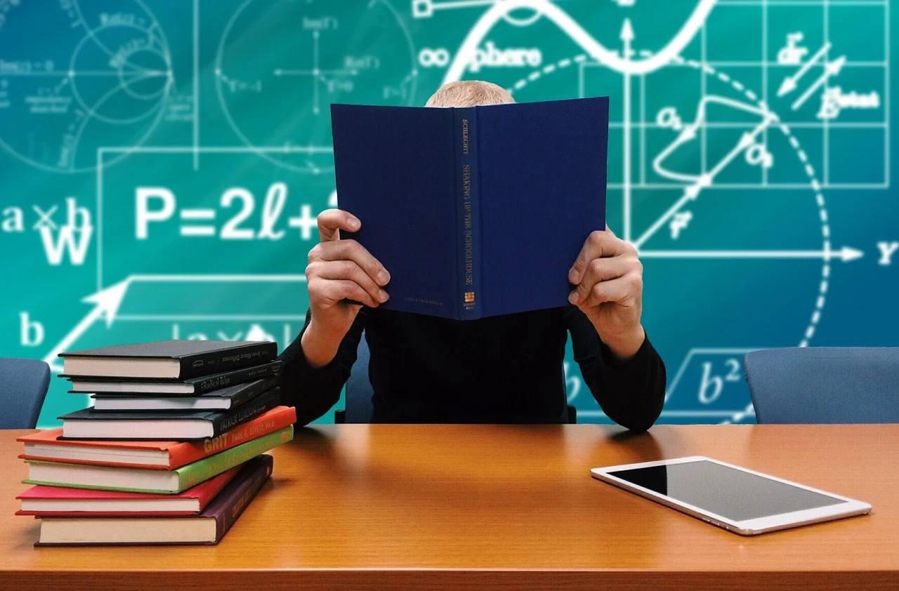 Jak tłumaczyć dokumenty szkolne?